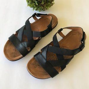 Naturalizer Black Leather Comfort Sandal